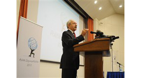 Kemal Kılıçdaroğlu Speaks to Large Audience at Bilkent