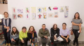 GRA Graduate Introduces Students to Monoprinting
