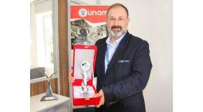 Turkish Physical Society Presents Award to Hilmi Volkan Demir